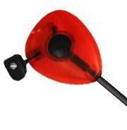 """Delphin SKIPER je signalizátor záberu so zabudovanou LED diódou. Určený je pre optickú signalizáciu záberu pri love """"na ťažko"""" na krátke, stredné a veľké vzdialenosti. Hlava signalizátora je osadená guličkovým mechanizmom. Uvoľnenie vlasca je s možnosťou nastavenia tlaku guličiek pomocou aretačnej skrutky. Otáčaním skrutky tak môžete znížiť alebo zvýšiť tlak guličiek podľa potreby. Tým, že mechanizmus je tvorený guličkami, trecia plocha je minimálna a preto nedochádza k stlačeniu vlasca počas zasekávania. Pevné, kovové rameno je vybavené posuvnou záťažou. Posúvanie záťaže po ramene umožňuje optimálne nastavenie napnutia vlasca. Hlava signalizátora je vyrobená z tvrdeného, matného plastu pre zvýšenú odolnosť voči mechanickému poškodeniu. Je priehľadnej farby, so zabudovanou LED diódou. Delphin SKIPER je osadený konektorom pre zapojenie do elektronického signalizátora záberu. Po zapojení sa pri zábere rozsvieti vnútorná LED dióda, ktorá vydáva tlmené svetlo podľa farby hlavy Skipera a umožňuje tak sledovať záber aj počas noci. Ako bonus je k baleniu dodávaný náhradný držiak pre upevnenie SKIPERA k elektronickému signalizátoru záberu. V prípade straty alebo poškodenia tak máte k okamžitej dispozícii náhradný držiak, bez nutnosti kupovania ďalšieho. Dostupné farby hlavy : modrá, červená, zelená, žltá a čierna."""